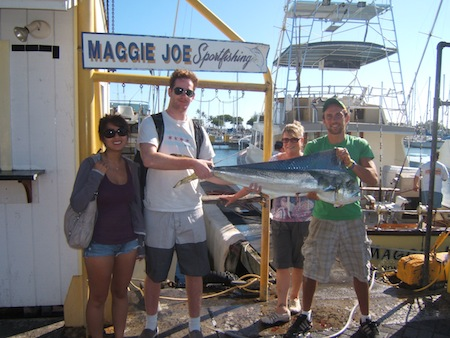 maggie-joe-23lb-mahi-angler-eric-caught-with-bait-fish-that-others-caught-also-in-picture-una-james-and-helen