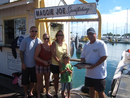 maggie-joe-5-skip-jack-tuna-anglers-lou-tracy-layne-sara-and-brayden