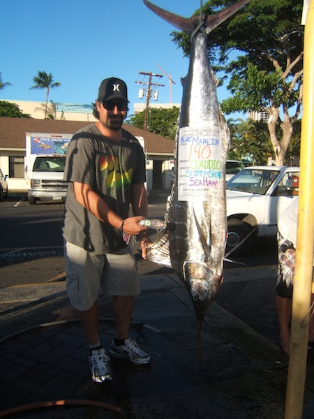 sea-hawk-140lb-blue-marlin-angler-claudio
