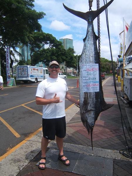 sea-hawk-160-lbs-blue-marlin-angler-ryan
