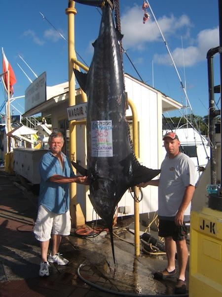 sea-hawk-565-blue-marlin-angler-bill-and-friend-alan