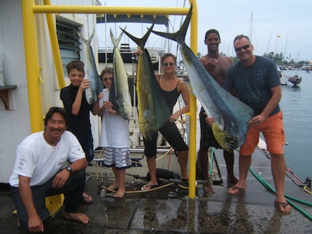 sh_4-mahi-32-20-127lbs_cathy-howrd-dallas-max-blaney-capt-darrel-deckhand-shown