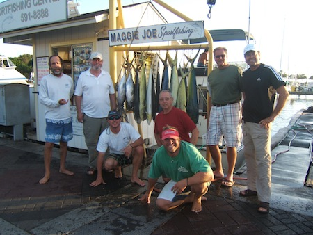 maggie-joe-14-mahi-and-2-shibi-anglers-don-dan-dan-aussie-with-capt-mike-and-mates-mark-and-billy