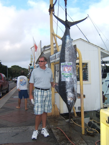 maggie-joe-250-lb-blue-marlin-angler-ozzie