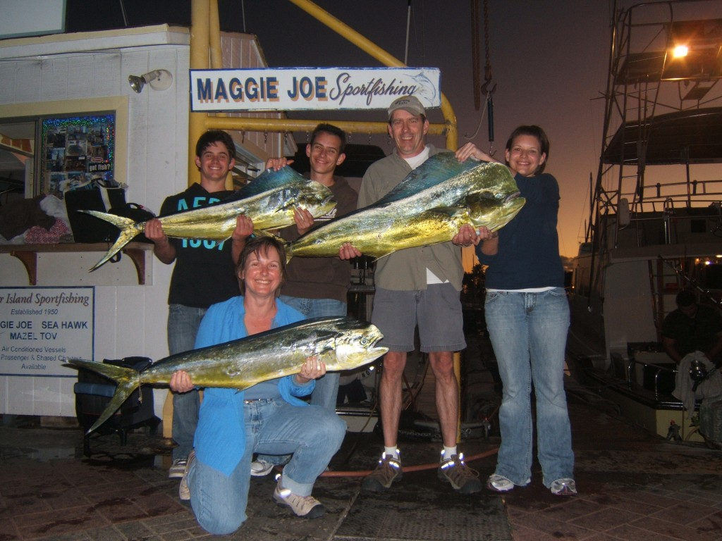 maggie-joe_3-mahi-mahi-18-38lbs_wayne-walkoviak-party-2