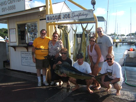 mj_7-mahi-4-20lbs-3-15lbs_tannerissa-walsh-sherwood-parties-with-deckhand-mark
