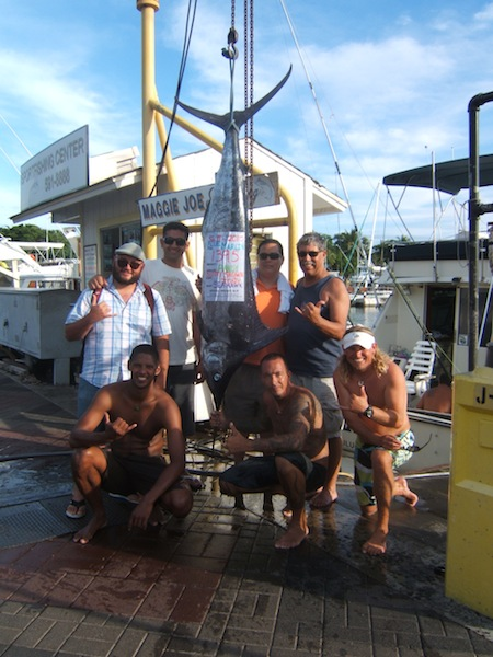 sea-hawk-1395-lb-blue-marlin-angler-randy-and-friends-william-henry-and-benito-with-capt-scotty-and-mates-shone-and-tony-entered-in-hawaii-yacht-club-tournament