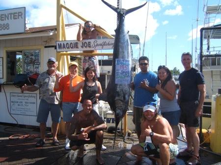 sea-hawk-195-lb-blue-marlin-angler-sarah-and-husband-marc-and-jim-bill-joe-and-aline-with-capt-scotty-and-mates-ari-and-tony