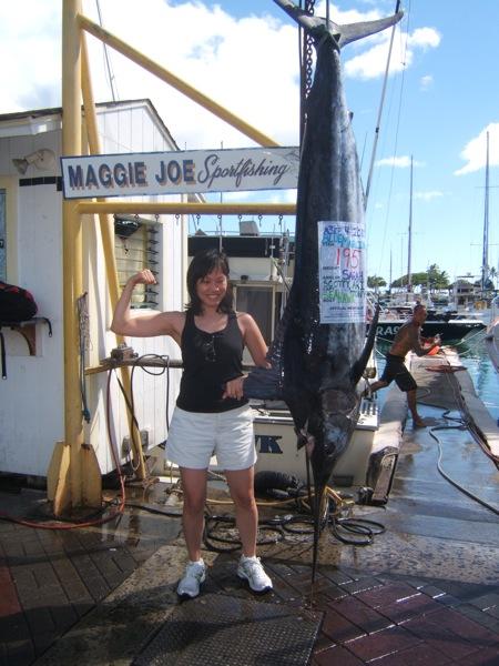 sea-hawk-195-lb-blue-marlin-angler-sarah
