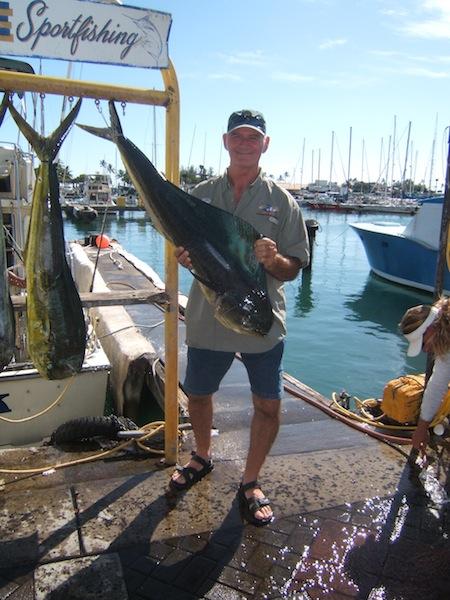 sea-hawk-4-mahi-angler-james-with-his-23lb-cow