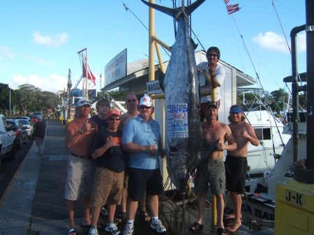 sh_360lb-marlin_capt-darryl-mate-scotty-3a