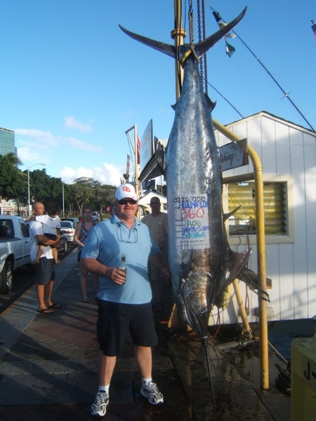 sh_360lb-marlin_capt-darryl-mate-scotty-4a