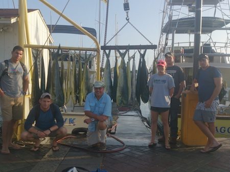Ryan, Zac, Dwight, Suzanne, Seth and Brendin with 18 Mahi Mahi and 1 Ono